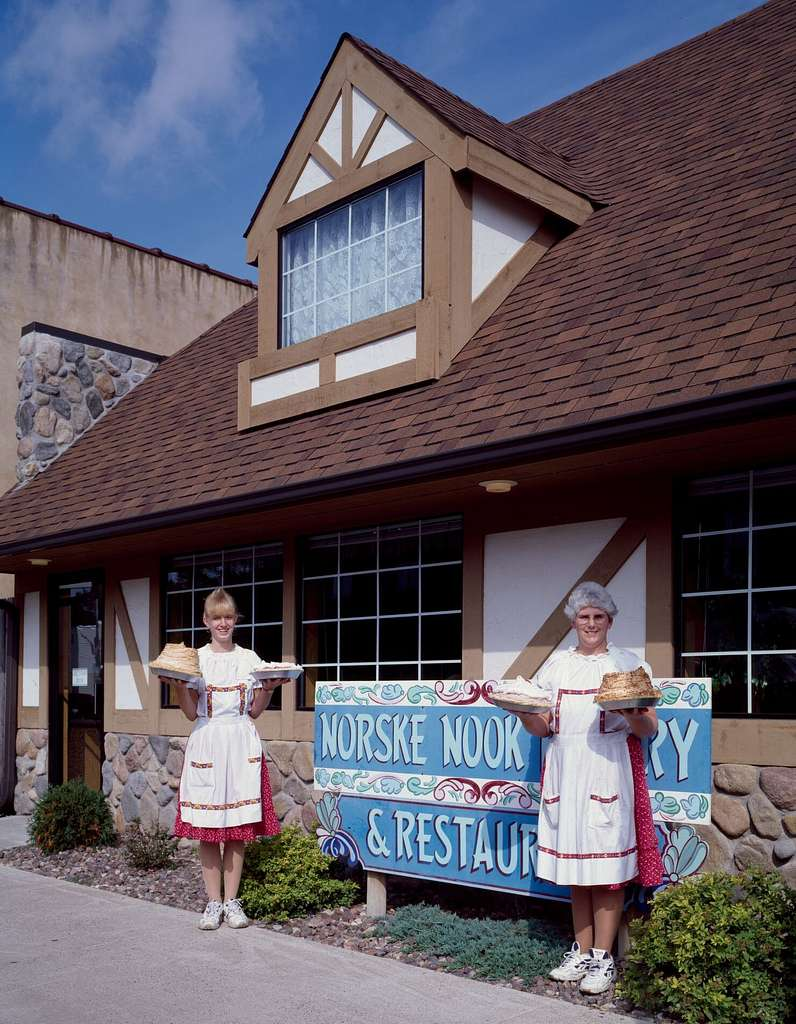 Waitresses And Their Goodies At Norske S Nook Cafe Osseo Wisconsin Where Sinfully Rich Pies Are Baked Picryl Public Domain Image