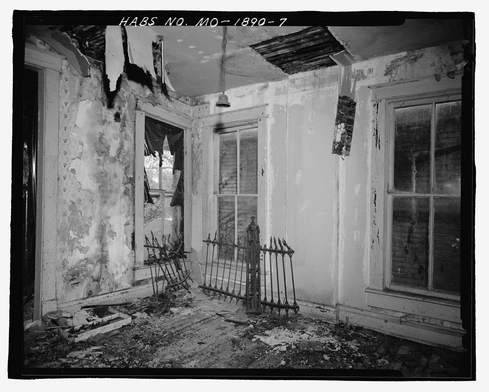 703 North Twelfth Street (House), Saint Joseph, Buchanan County, MO
