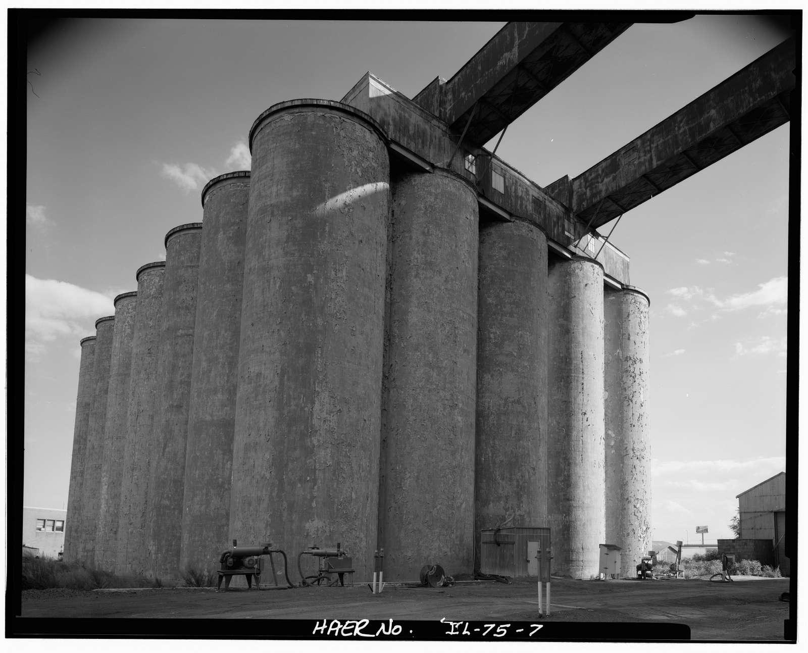 Santa Fe Railroad, Grain Elevator, On Atchison, Topeka & Santa Fe Railroad slip, South side of sanitary & ship canal, Chicago, Cook County, IL