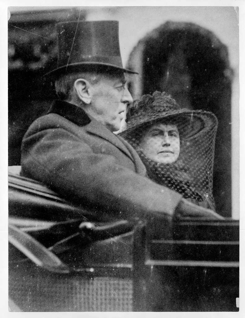 [Woodrow Wilson and wife riding in backseat of a carriage to second inauguration, March 5th, 1917]