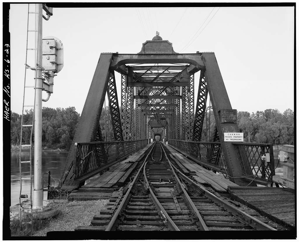 Leavenworth Bridge, Spanning Missouri River, Leavenworth, Leavenworth County, KS