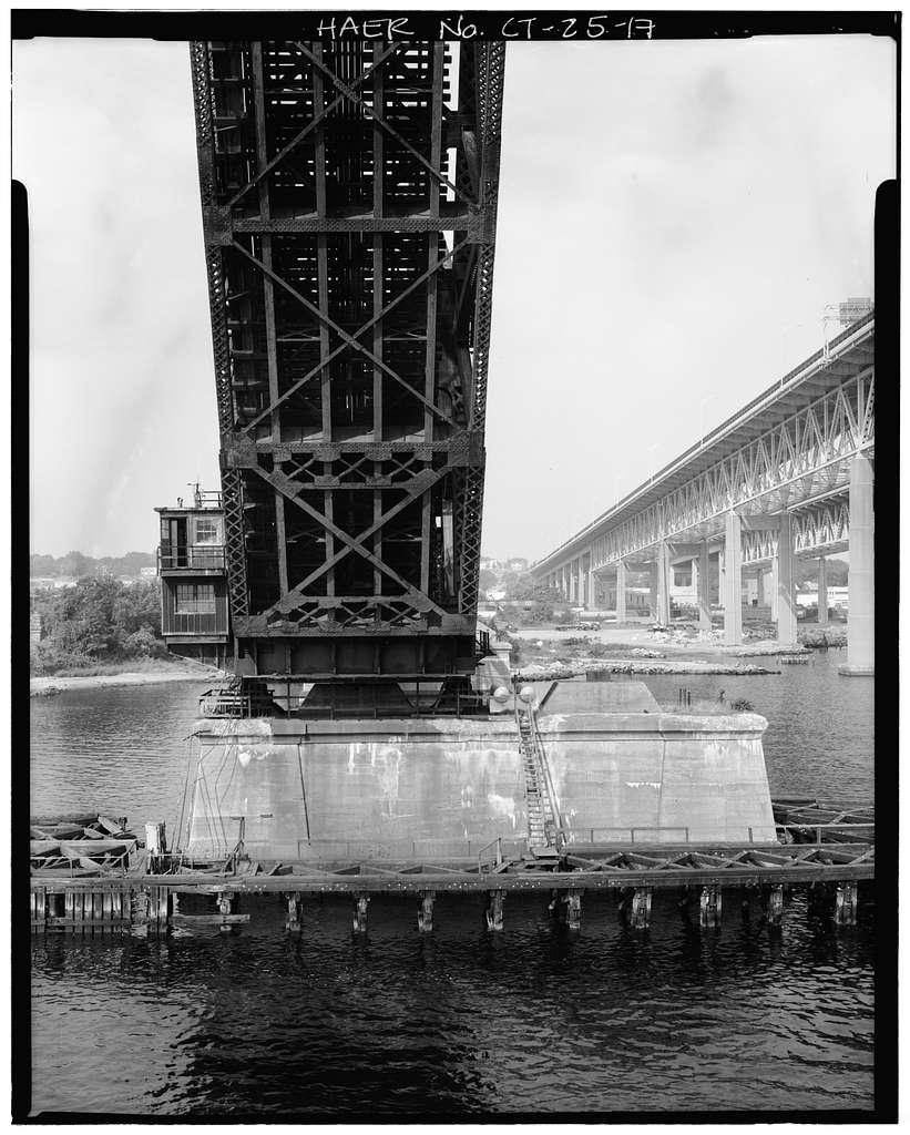 New York, New Haven & Hartford Railroad, Groton Bridge, Spanning Thames River between New London & Groton, New London, New London County, CT