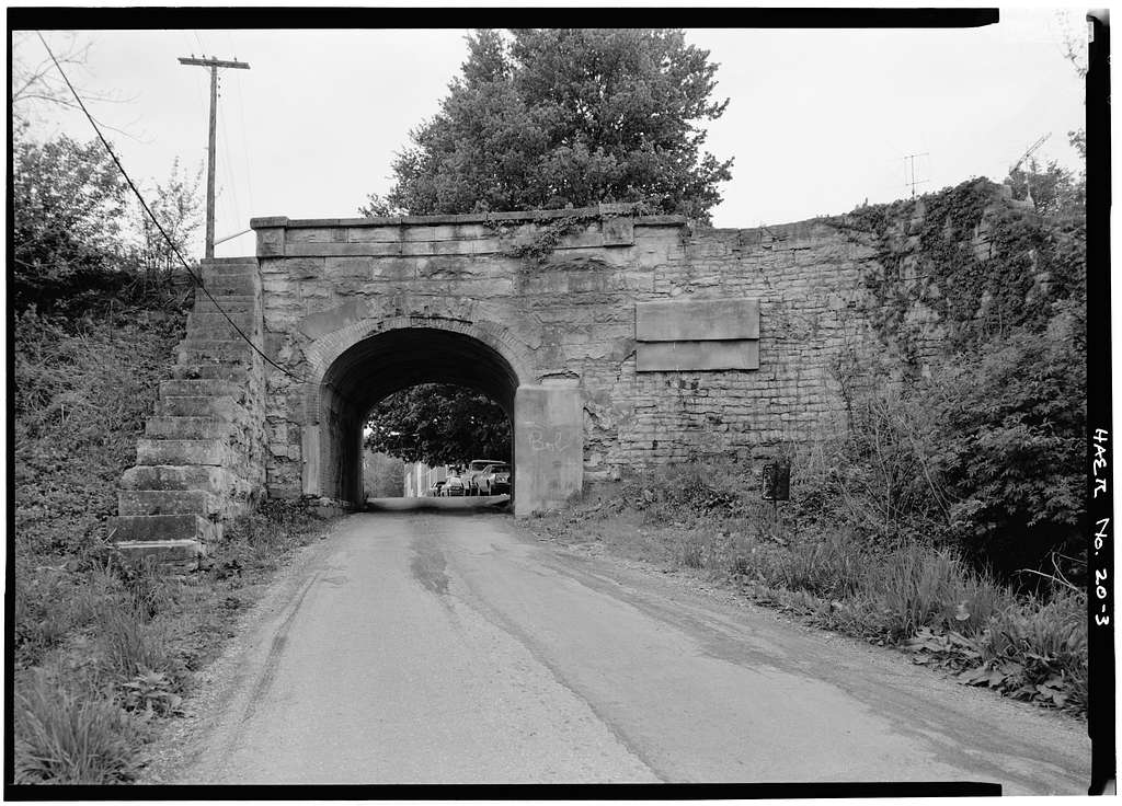 Madison & Indianapolis Railroad, Vernon Overpass, Gains Street & Pike Street, Vernon, Jennings County, IN