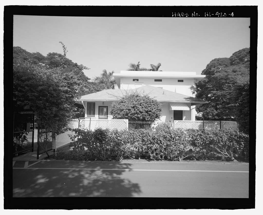 U.S. Naval Base, Pearl Harbor, Marine Corps Officers' Quarters, Russell Avenue, between Central Avenue and Salvor Street, Pearl City, Honolulu County, HI