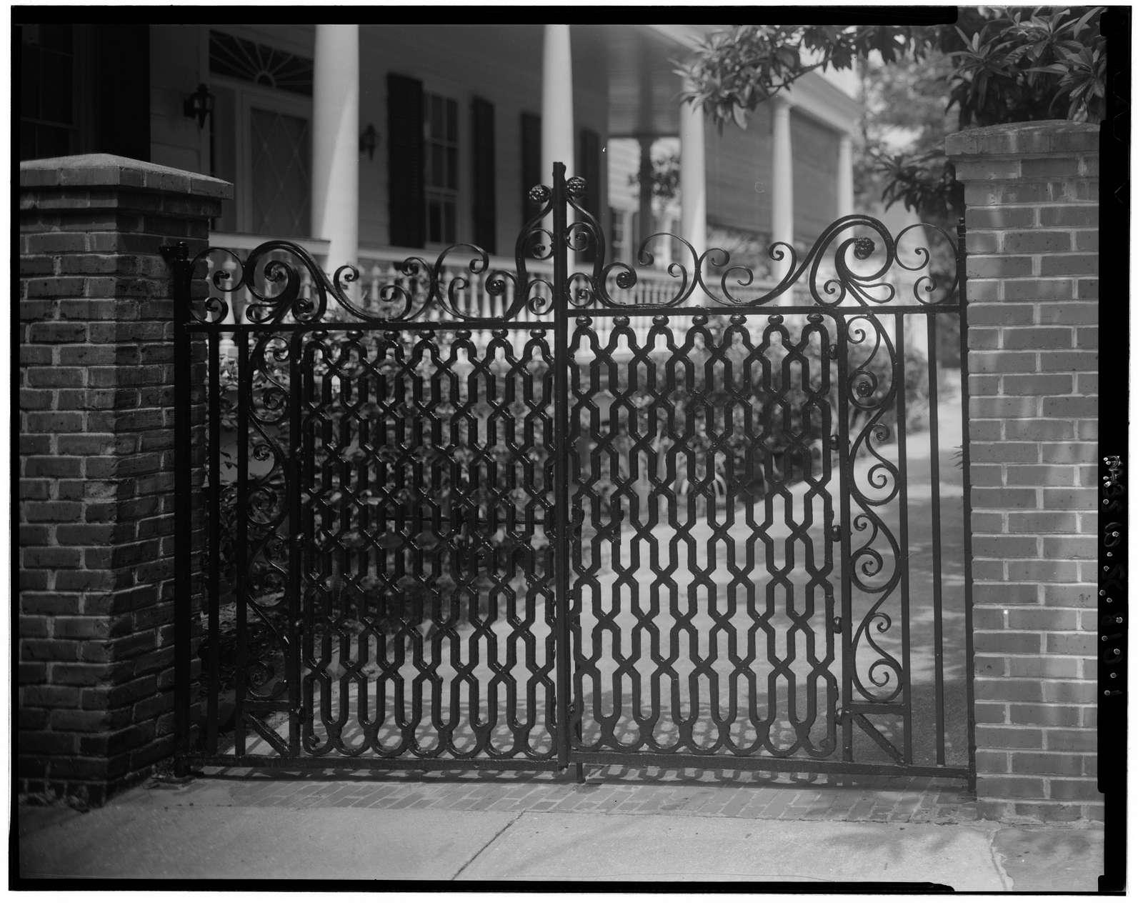 38 Legare Street (gate), Charleston, Charleston County, SC