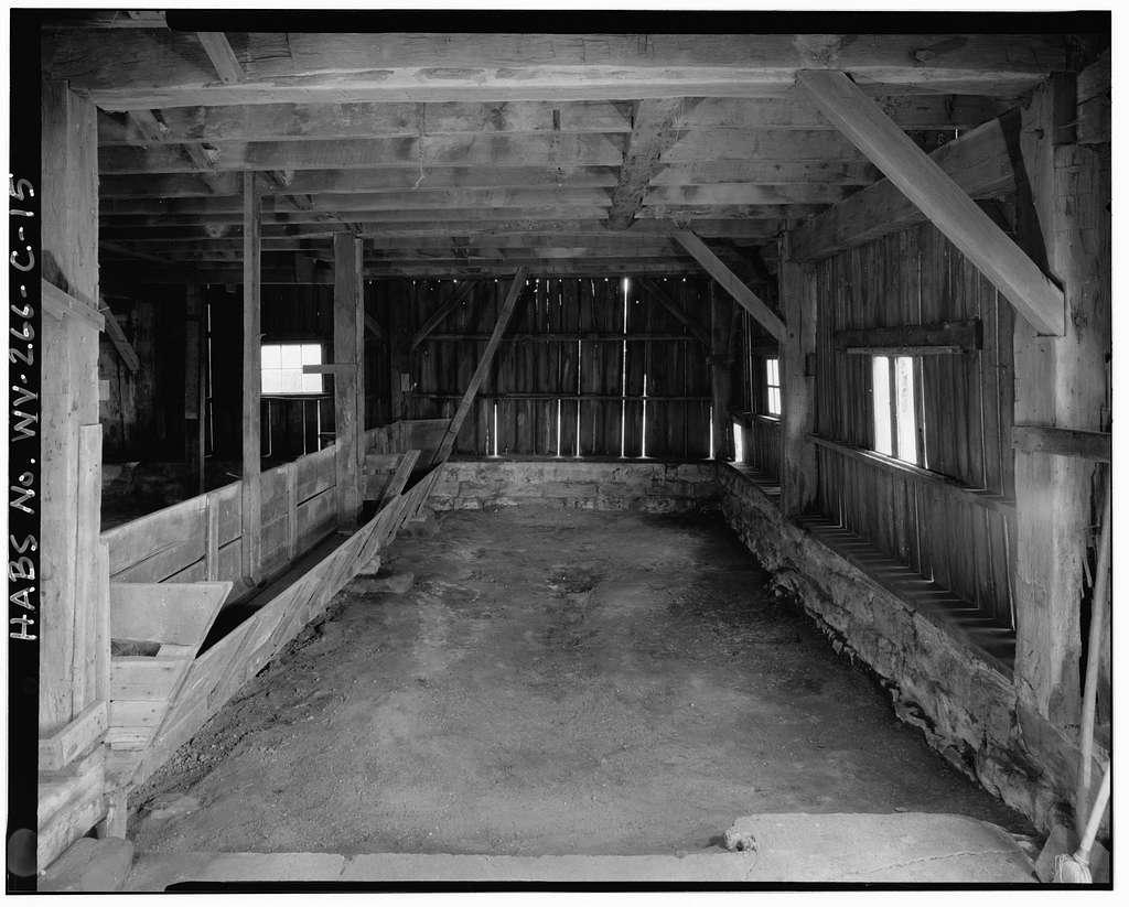 Abraham Cyrus Farmstead, Barn, About 160 feet south-southwest of farmhouse at 3271 Cyrus Road (County Road 1/6), Cyrus, Wayne County, WV