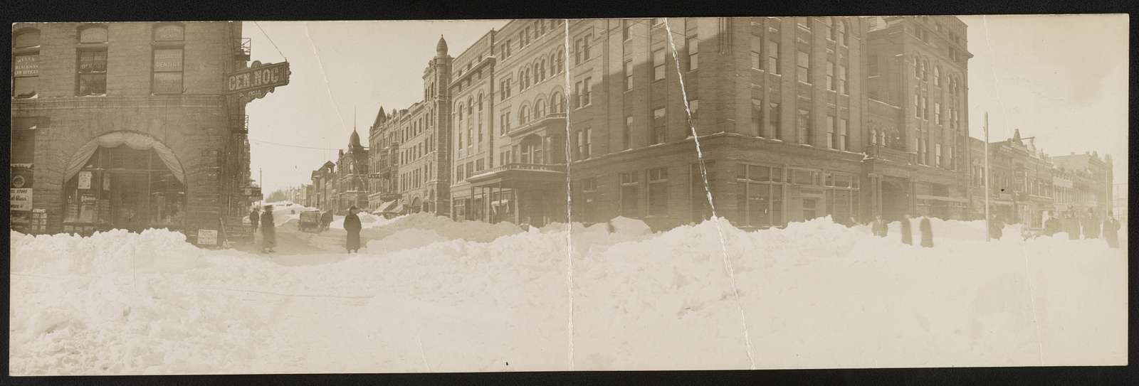 Ninth & Phillips Ave. after the storm, 1909, Sioux Falls, S. Dak.