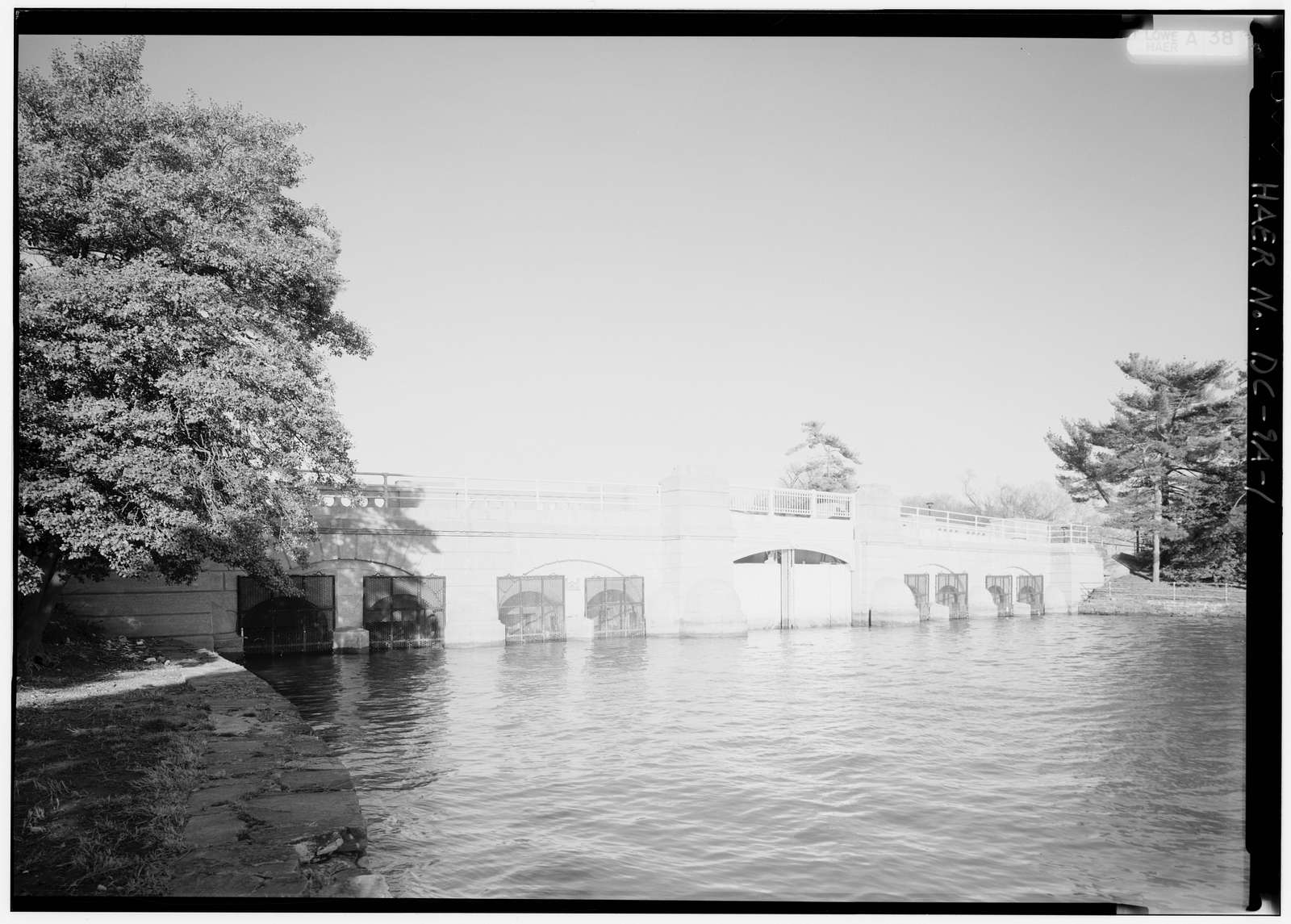 Tidal Reservoir, Inlet Bridge, Ohio Drive, spanning Inlet of Tidal Basin, Washington, District of Columbia, DC