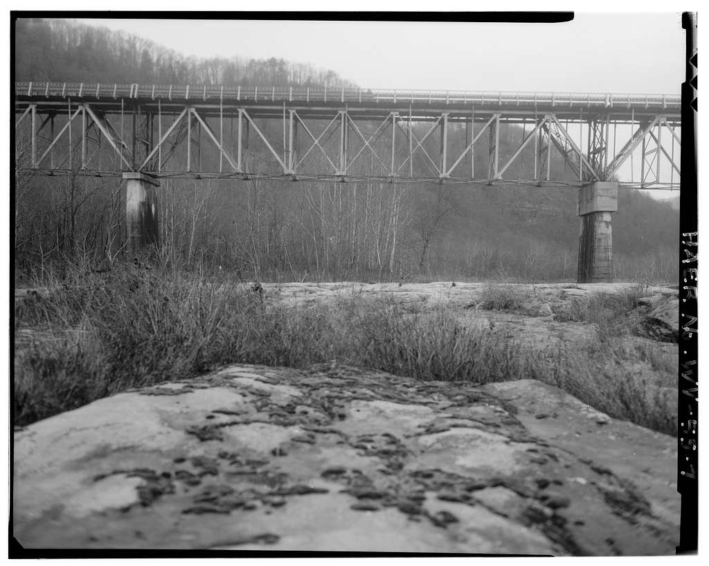 Cotton Hill Station Bridge, Spanning New River at State Route 16, Cotton Hill, Fayette County, WV