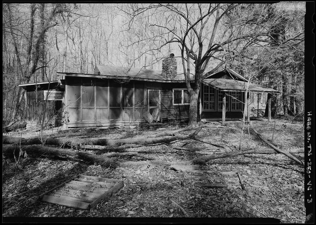 Elkmont Historic District, Millionaire's Row, Faust Cabin & Garage, Little River Trail, Gatlinburg, Sevier County, TN