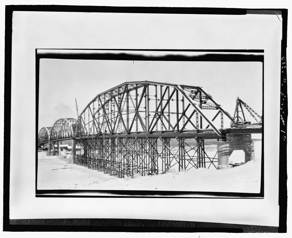 Wolf Point Bridge, Spanning Missouri River at State Highway 13, Wolf Point, Roosevelt County, MT
