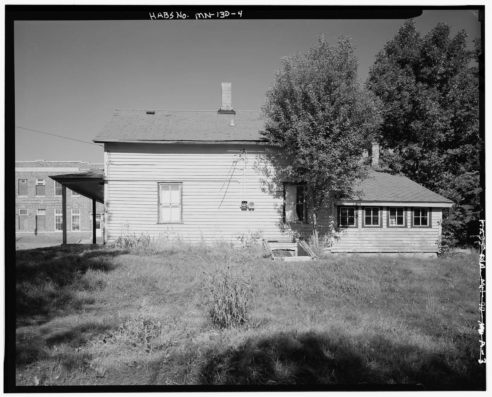 200 Lewis Avenue North (House), Watertown, Carver County, MN