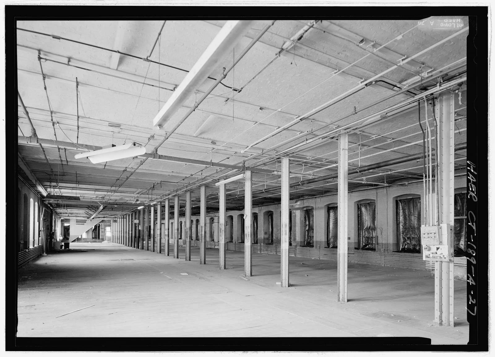 Colt Fire Arms Company, East Armory Building, 36-150 Huyshope Avenue, 17-170 Van Dyke Avenue, 49 Vredendale Avenue, Hartford, Hartford County, CT