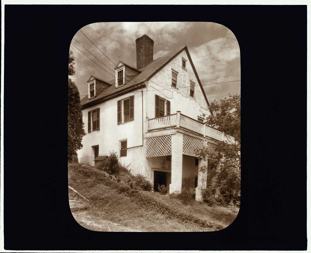 [Customs House, Tappahannock, Essex County, Virginia. Porch]