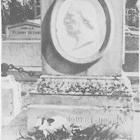 [Grave of Jean-Eugène Robert-Houdin]