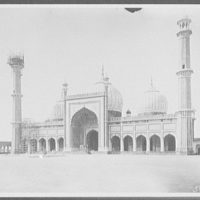 Delhi - Jumma Musjid, or Great Mosque - front view