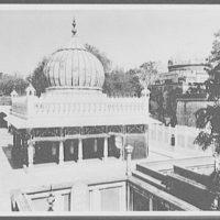 Delhi - Tomb of Nizan Ud Din Auliya, near Indrapart