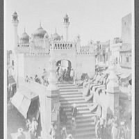 Lahore - the Sonali Musjid, or Golden Mosque