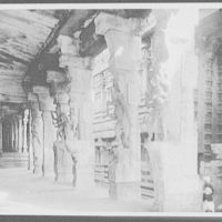 Madura - entrance to Hall of a Thousand Columns, Temple of Siva