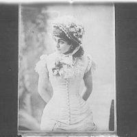 Portrait photograph of an unidentified woman