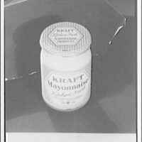 Closures on bottles and jars for glass containers. Mayonnaise jar