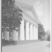 Custis-Lee Mansion. Front view vertical of Custis-Lee Mansion I