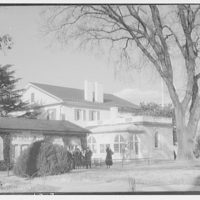 Custis-Lee Mansion. House, rear view of Custis-Lee Mansion from water well