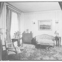 Dr. Oden's apartment. Living room of Dr. Oden V
