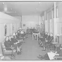 Electric Institute of Washington. Instruction group at Hecht Co.