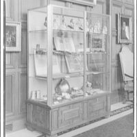 Folger Library interiors. One of showcases in exhibition hall at Folger Library