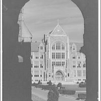Georgetown University. White-Gravenor Hall at Georgetown University through arch