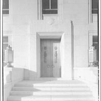 Library of Congress (John Adams Building). Doorway in Library of Congress annex on south side