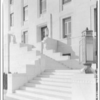 Library of Congress (John Adams Building). Stairs and entrance to Library of Congress annex on south