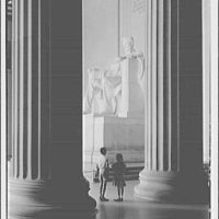 Lincoln Memorial. Lincoln statue, right side with children I