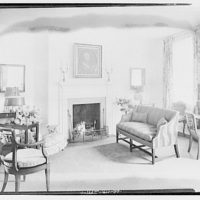 Miscellaneous interiors. Living room, to fireplace