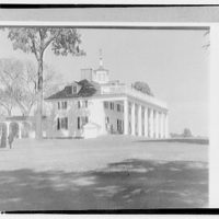 Mount Vernon. Left and front of Mount Vernon mansion with rail (horizontal) I