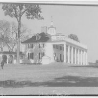 Mount Vernon. Left and front of Mount Vernon mansion with rail (horizontal) III