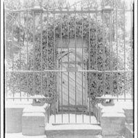 Mount Vernon. Old tomb of Washington at Mount Vernon, winter