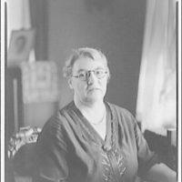 Mrs. Hoellidge and her home. Portrait of Mrs. Hoellidge I
