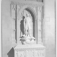 National Cathedral. Sculpture in wall niche at National Cathedral I