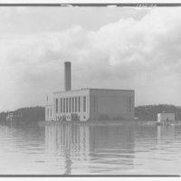 Potomac Electric Power Co. Buzzard Point plant. Buzzard Point plant from across river II