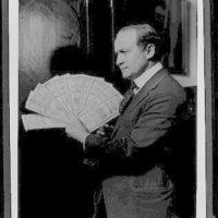 [Houdini holding bonds, Boston, Massachusetts]