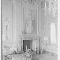 Mrs. Jackson E. Reynolds, residence at 33 Beekman Pl., New York City. Vertical detail of fireplace in living room