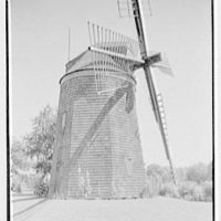 Windmills of Long Island, Gardiner's Mill, Easthampton, [i.e., East Hampton] Long Island.  Close-up of mill