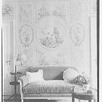 John N. Conyngham, Hayfield Farm, residence in Lehman Township, Pennsylvania. Mrs. Conyngham's writing room sofa