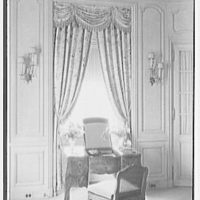 John N. Conyngham, Hayfield Farm, residence in Lehman Township, Pennsylvania. Mrs. Conyngham's boudoir window