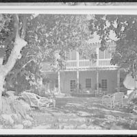 Palm Beach residence. Robert D. Huntington, residence on Travellers Way, patio from steps