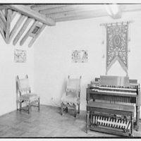 Hammond Organ Company, business at 50 W. 57th St., New York City. Panelled room