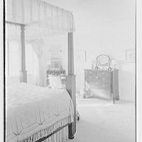 Henry W. Bagley, Bellehaven, residence in Greenwich, Connecticut. Child's room with four poster II