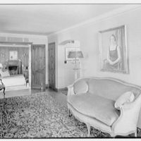 Henry W. Bagley, Bellehaven, residence in Greenwich, Connecticut. Entrance hall to living room